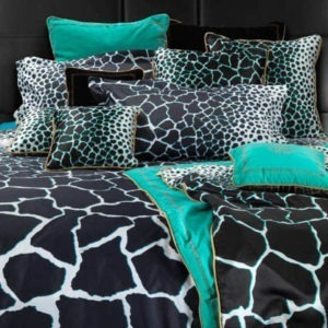 Jerapah King Bedsheet Set - Black